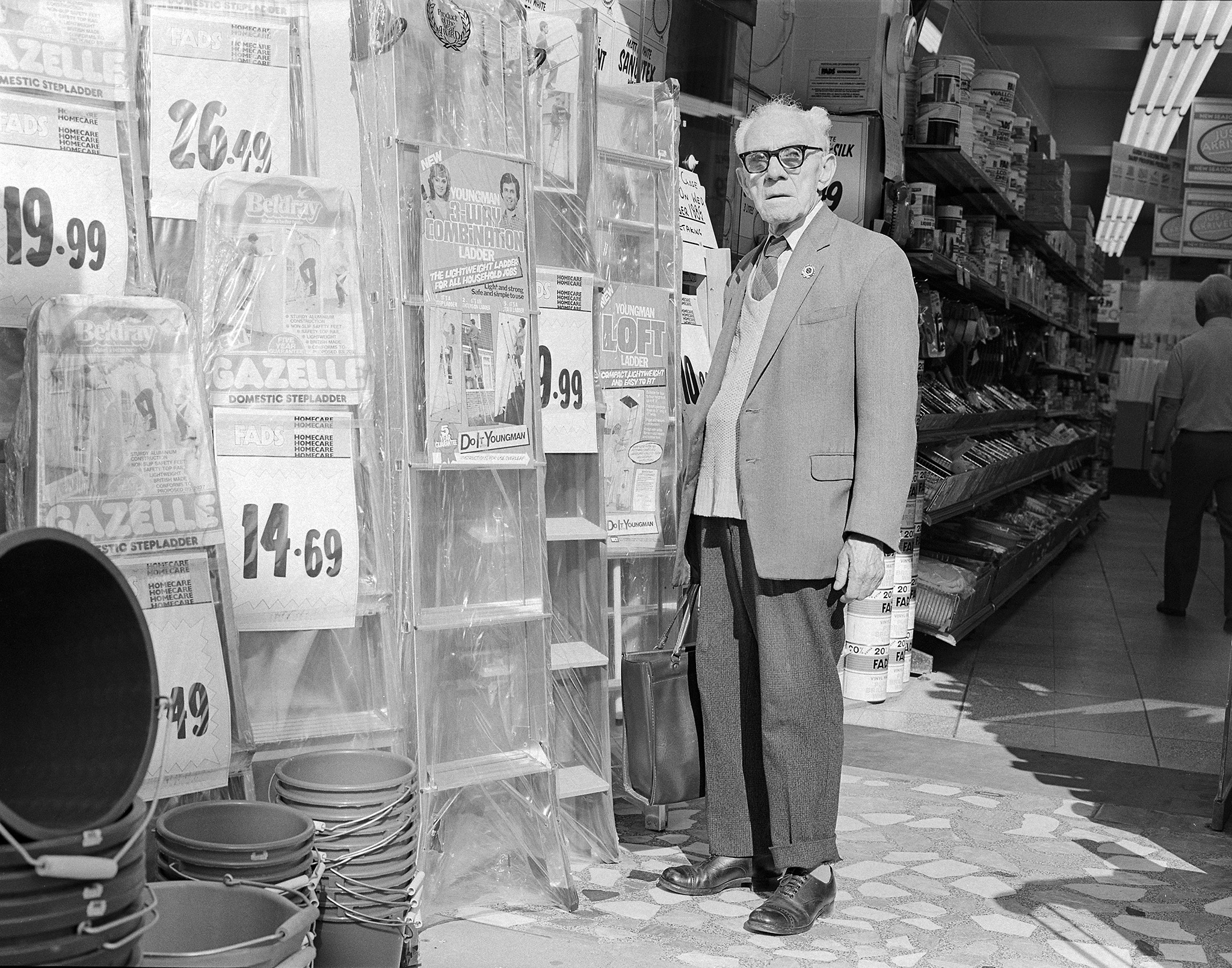 Old man in FADS shop Salisbury c1987
