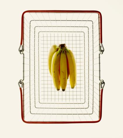 Bananas_in_shopping_basket_2048px.jpg